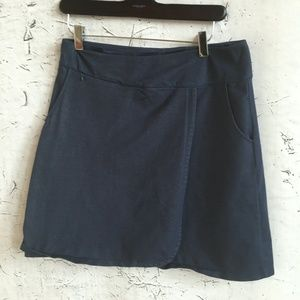 REI BLUE ATHLETIC SKIRT S